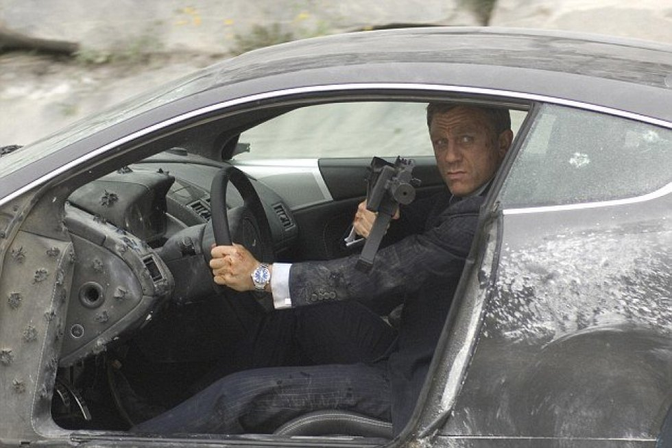 James Bond har smadret biler for 37 millioner kroner over 24 film