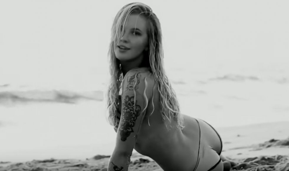 Ireland Baldwin er et syn for guder