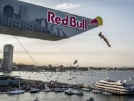 Vind 2x2 eksklusive billetter til Red Bull Cliff Diving 22. juni