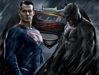 Se den nye, vilde Batman v Superman-trailer
