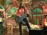 Foo Fighters fortolker juleklassikere på SNL