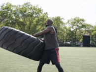 Mike Colter aka. Luke Cage deler sine workout-tips