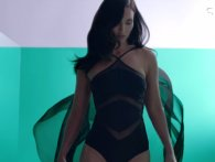 Aftensnack: Megan Fox i sexet, sort bodysuit