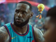 LeBron James suges ind i Looney Tunes-universet i første trailer til Space Jam 2
